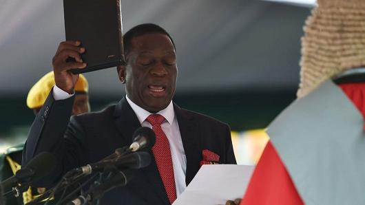 Zimbabwean halt President Emmerson Mnangagwa is strictly sworn-in during a rite in Harare on Nov 24, 2017.