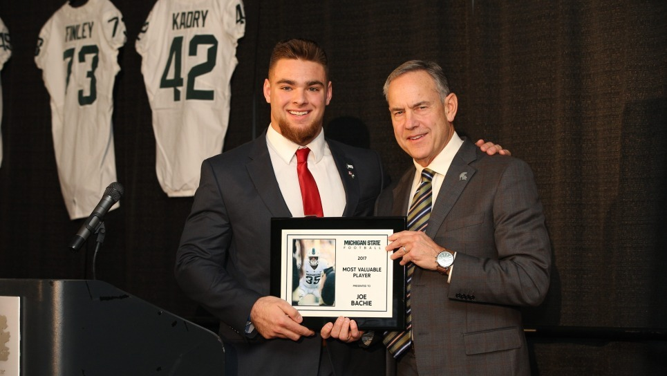 centeriSophomore linebacker Joe Bachie, who leads a group in tackles, was named a leader of a Governor's Award, that is awarded annually to a team's many profitable player./center/i