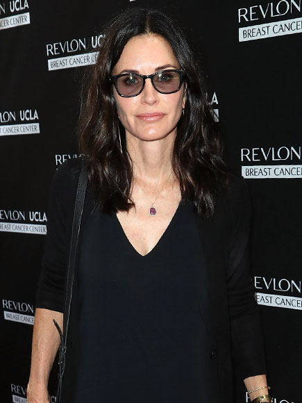 Courteney Cox Defends Jennifer Aniston Amid Angelina Jolie and Brad Pitt's Divorce: 'It's Not About Her'| Friends, Angelina Jolie, Brad Pitt, Courteney Cox, Jennifer Aniston