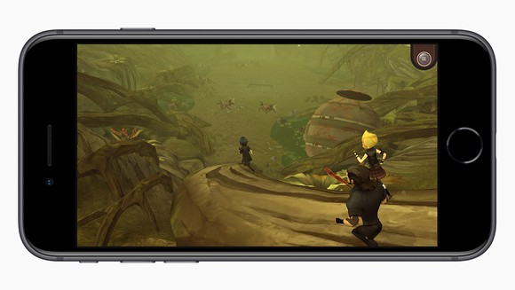 Apple's iPhone 8 using an complete 3D game.