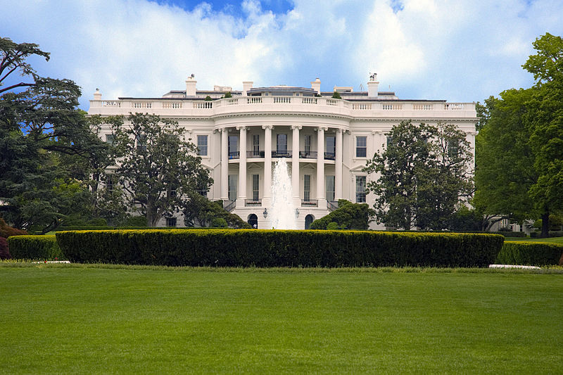 800px-The_White_House_in_Washington,_DC